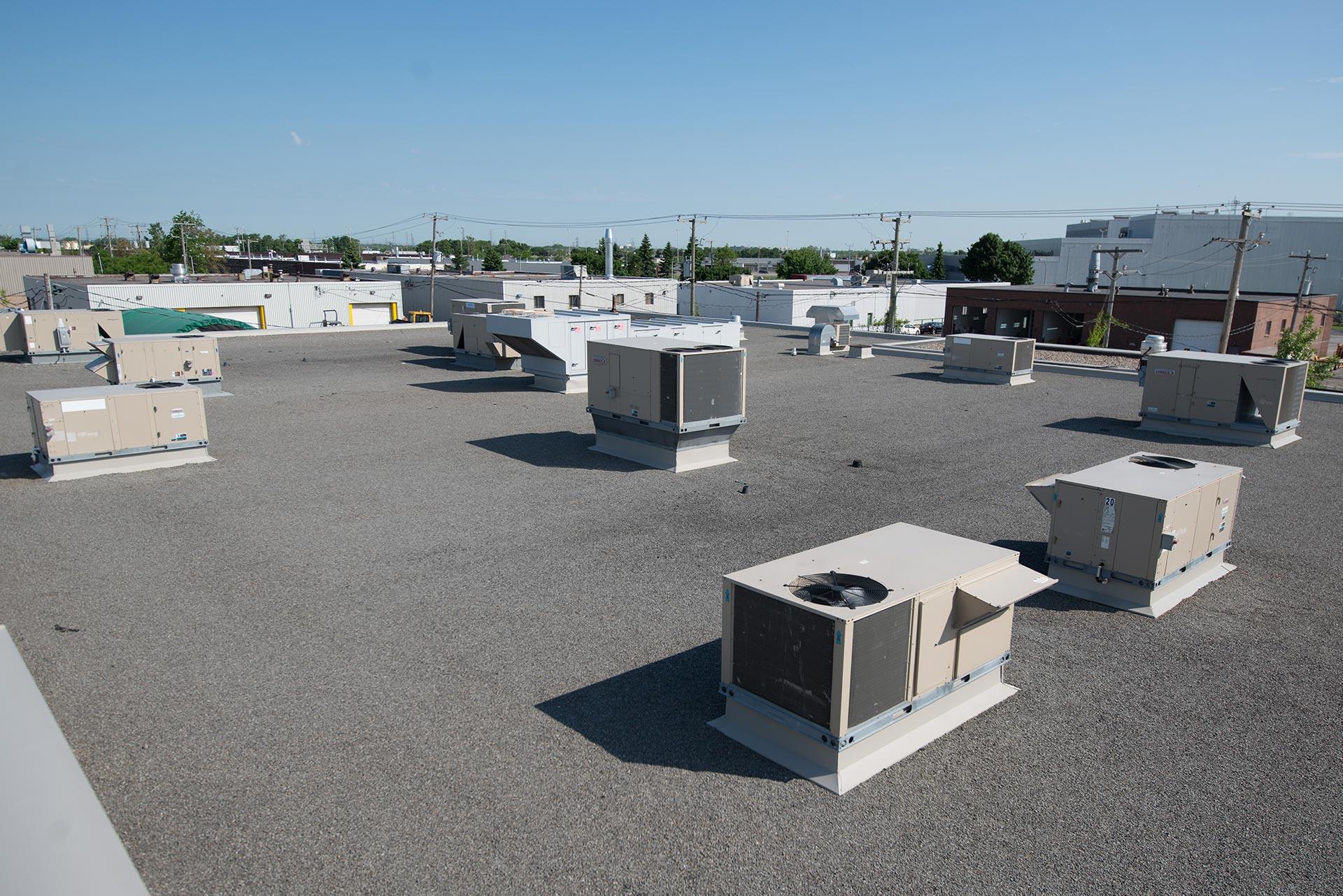 Systèmes monobloc de chauffage et climatisation – Fourni a/c et chauffage (Lennox, York, Trane)